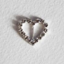 Металлическая пряжка со стразами сердце