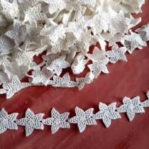 """Кружево """"Звездные цветы"""" белое,ширина 4,5 см, отрез 45 см (12 цветов)"""