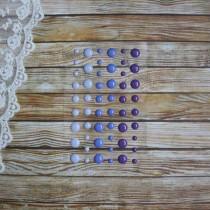 Эмалевые точки (дотсы) глянцевые, фиолетовые, на подложке 54 штуки, размер 4-8 мм.