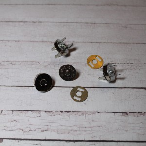 Кнопка магнитная диаметр 14 мм, цвет - серебро, 1 комплект