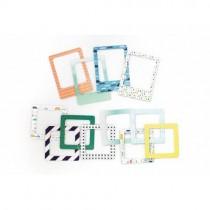 """Картонные рамки """"В детском мире"""" В наборе 12 элементов.Размер: 75х100 мм - 4 шт., 75х75 мм - 8 шт"""