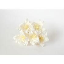 Лилии белые 1 шт 2см высота цветка 2,5 см длина стебля ок 7 см