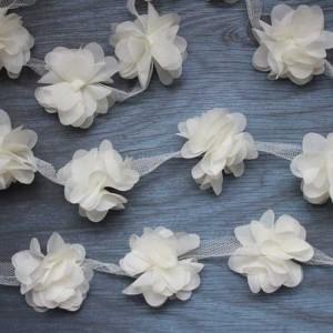 Цветы шифоновые - молочные, 1 шт., диаметр 5 см.